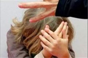В Днепропетровской обл. подростки изнасиловали маленькую девочку.