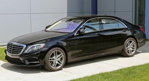 2014_Mercedes-Benz_S550_lwb_black_(US)