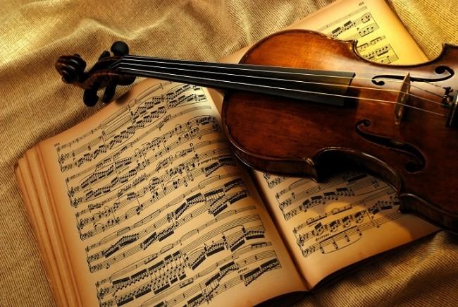 Skripka---smychkovyy-strunnyy-muzykalnyy-instrument