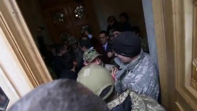 Как Соболев угрожал гранатой охране Верховной Рады