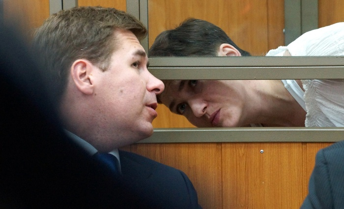 Защитники Савченко открестились от Новикова: