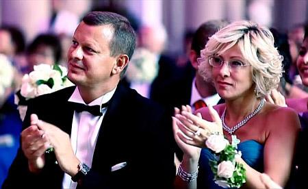 подружжя-клюєвих