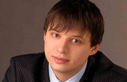 medium_obtshestvenno-parlamentskij-klub_1366_slider