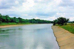 Северо-Крымский-канал-375x250