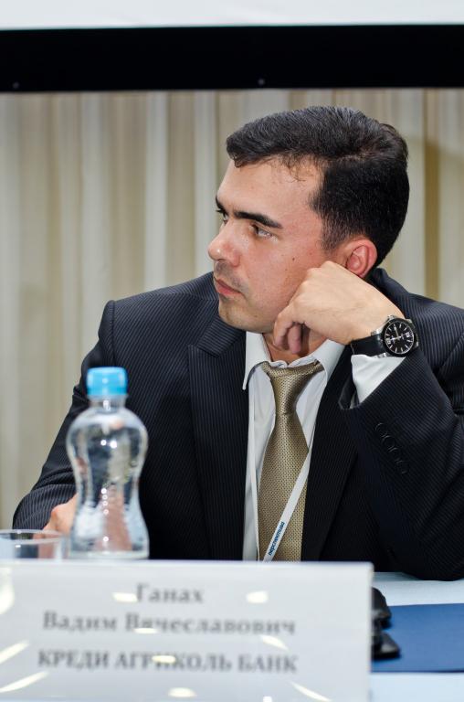 На фото Вадим Ганах — Член Правления-Директор по финансовым рынкам КРЕДИ АГРИКОЛЬ БАНК
