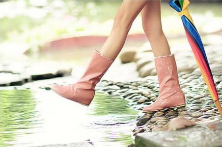 Резиновые сапоги или кроссовки