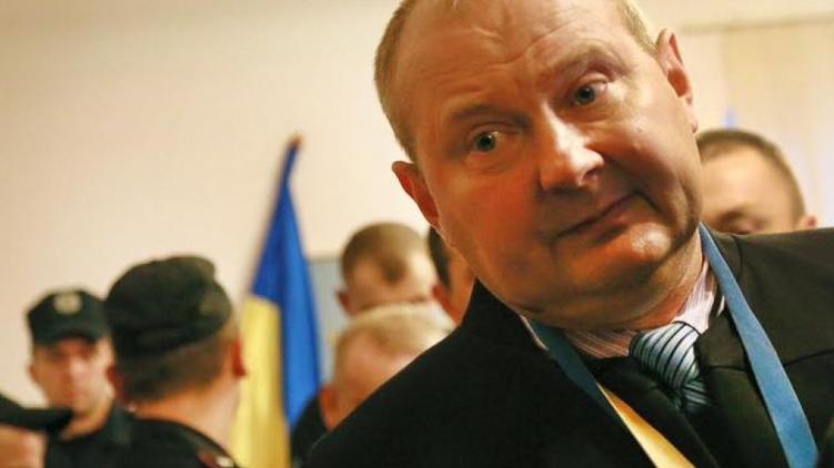Чаус выехал вБеларусь, ауже потом оказался вКрыму