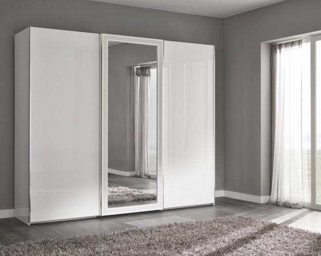 Белоснежный-корпусный-с-зеркалом
