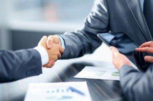 chinovnik-biznes-partner-e1449777603996