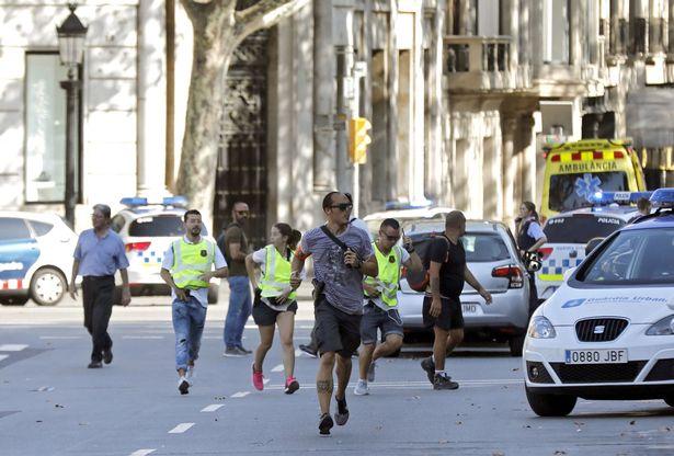 A-van-crashes-into-pedestrians-in-Barcelona-Spain-17-Aug-2017 (1)