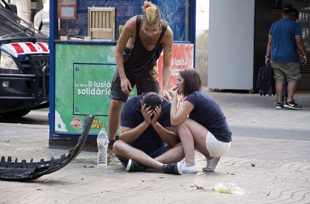 A-van-crashes-into-pedestrians-in-Barcelona-Spain-17-Aug-2017 (2)