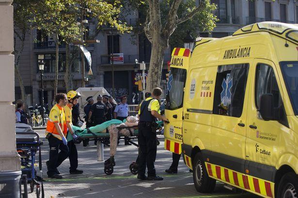 A-van-crashes-into-pedestrians-in-Barcelona-Spain-17-Aug-2017 (4)