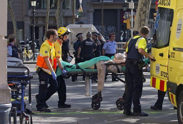 A-van-crashes-into-pedestrians-in-Barcelona-Spain-17-Aug-2017 (5)
