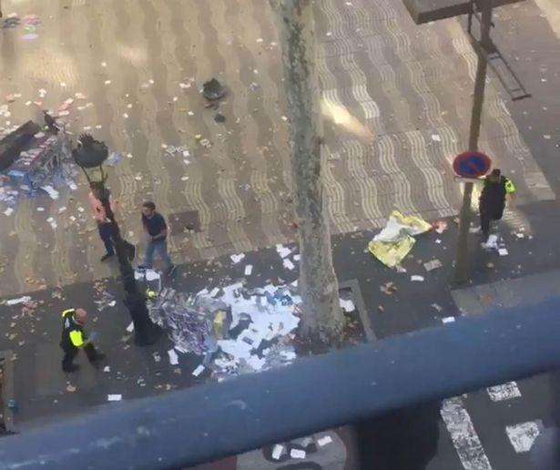 Van-crashes-into-crowd-on-Las-Ramblas
