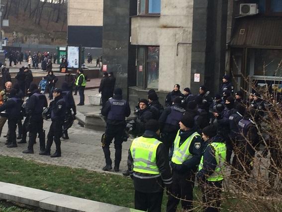 38f3edb-police