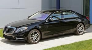 2014_Mercedes-Benz_S550_lwb_black_(US)