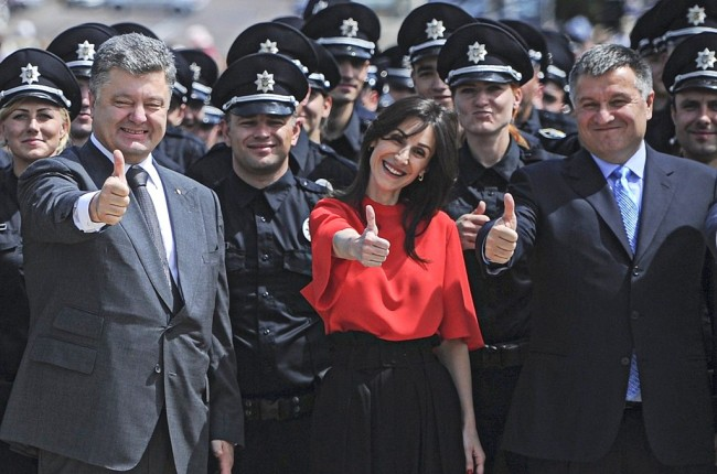Трьох харківських поліцейських, які підозрюються в насильстві над затриманими та одержанні хабарів, взято під арешт - Цензор.НЕТ 4344