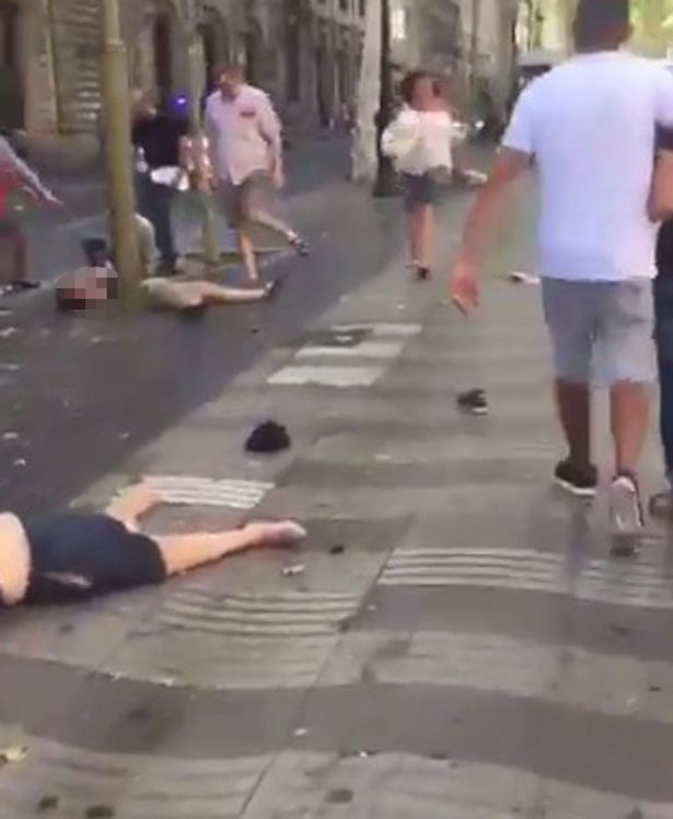 Terror-attack-in-Barcelona-Two-dead-and-20-injured-after-truck-ploughs-into-crowd-in-heart-of-tourist-district (1)